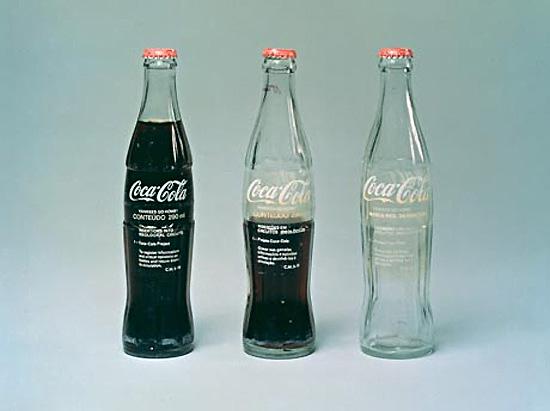 Cildo Meireles - Inserções em Circuitos Ideológicos - Projeto Coca-Cola