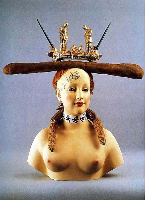 Salvador Dali - Retrospectiva, busto de mulher
