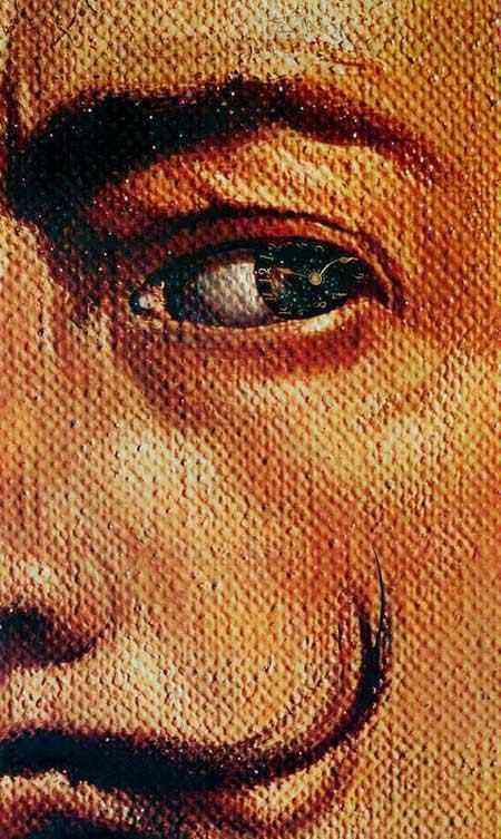 Salvador Dali - Auto-retrato macrofotográfico com aparição de Gala como religiosa espanhola